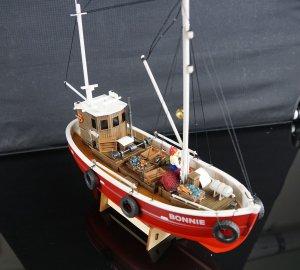 Büs 24 - Bonnie - 1:50 - Fischkutter modell